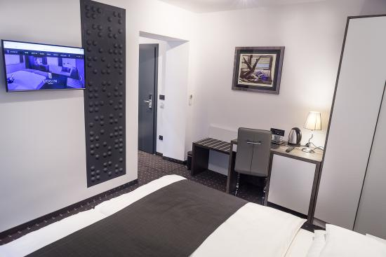 Log In Rooms : Luxury Double or Twin room