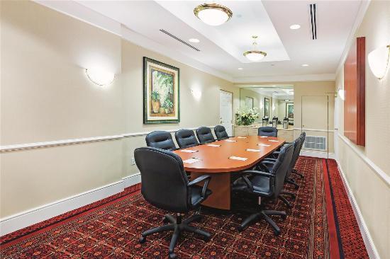 La Quinta Inn & Suites Arlington North 6 Flags Dr: Meeting Room