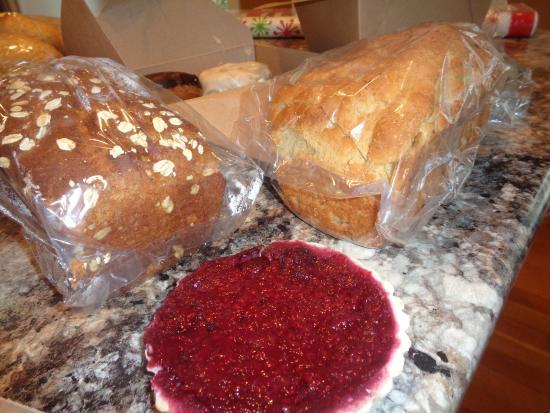 Auburn, ME: 3 berry tart and moist bread