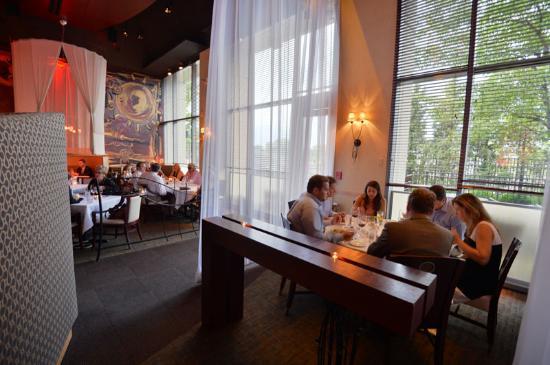 M Restaurant Bar At Miranova Cameron Mitchell Restaurants Columbus Oh