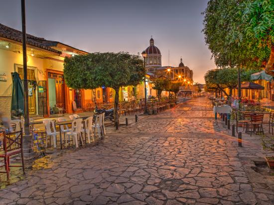 Hotel Alhambra: View of Street evening across the plaza