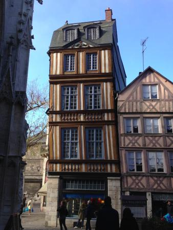 maisons typiques picture of vieux rouen rouen tripadvisor. Black Bedroom Furniture Sets. Home Design Ideas