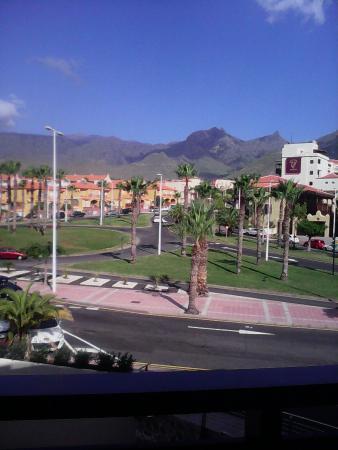 Blick zum Kreisverkehr vom Hotelzimmer