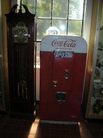 Bunker Hill, WV: A 1970's coke machine