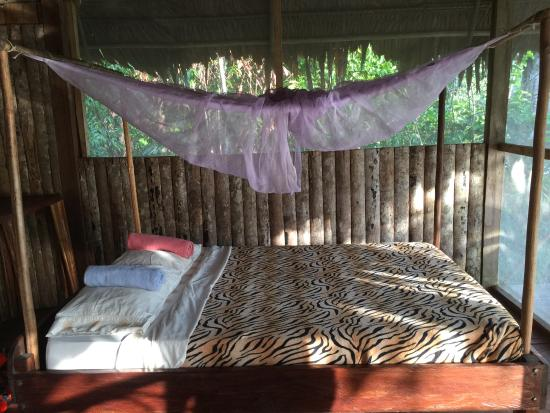 Abundancia Amazon Eco Lodge : Our bed in the private bungalow