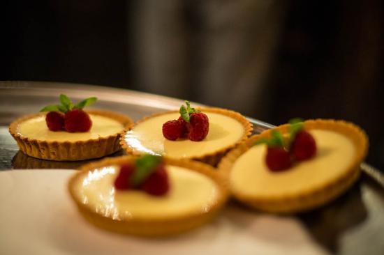 The Thimble Inn: lemon mini tarts