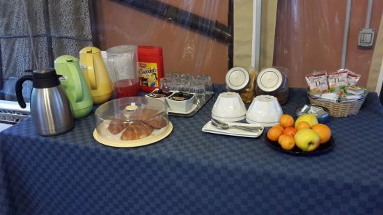 Hotel Ducale: Café da manhã no jardim