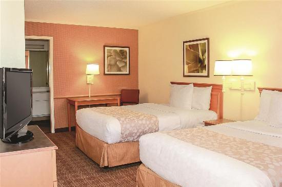 La Quinta Inn Lafayette North: Guest Room