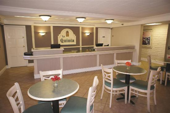 La Quinta Inn Norfolk Virginia Beach : Lobby