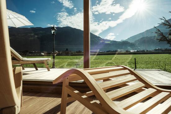 THERESA Wellness Geniesser Hotel: Blick aus Panorma-Sauna