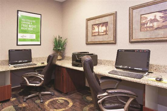 La Quinta Inn & Suites Albuquerque Midtown: Business Center