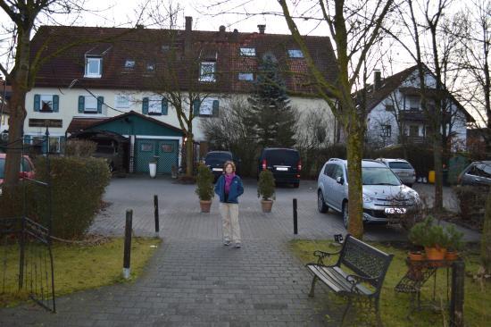 Hallbergmoos, Tyskland: Entrance of hotel