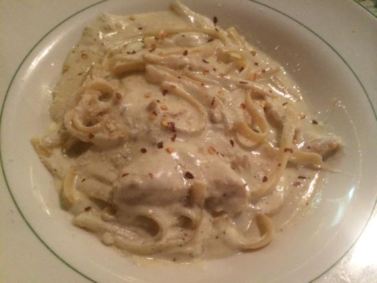 Bello Vita: Delicious chicken alfredo!