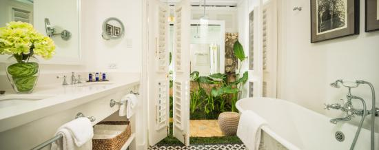 Round Hill Hotel & Villas: Villa 13 Bathroom