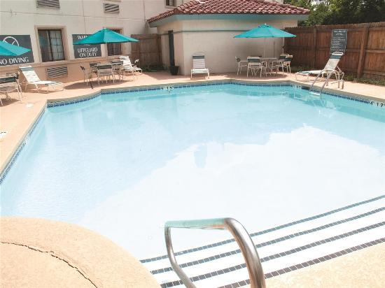 La Quinta Inn Lexington : Pool