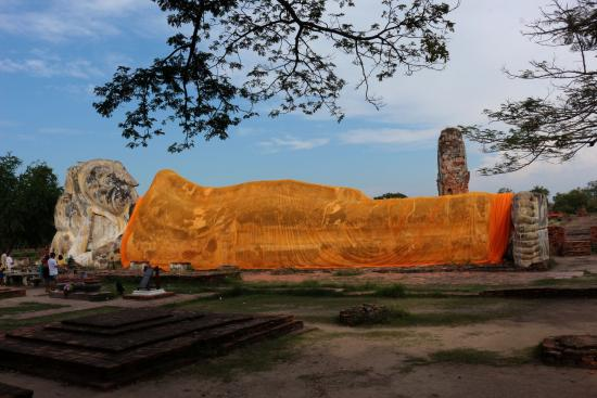 1 - Picture of Temple of the Reclining Buddha (Wat ...