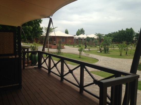 Bagan Lodge: front of room