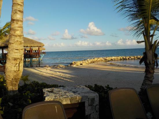 Sanctuary Cap Cana: Beach area