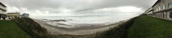 The Coho Oceanfront Lodge: Oregon Coast From Coho Oceanfront - Dec 2015 - photo by De Ivett