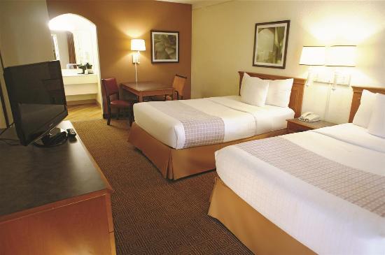 La Quinta Inn Deerfield Beach I-95 at Hillsboro E: Guest Room
