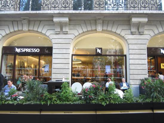 bem localizada picture of nespresso boutique paris tripadvisor. Black Bedroom Furniture Sets. Home Design Ideas