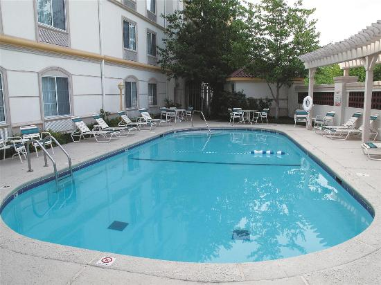 La Quinta Inn Suites St Louis Westport Updated 2018 Hotel Reviews Price Comparison