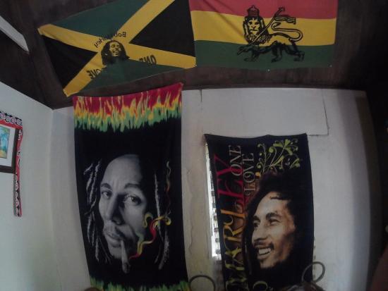 Jaital: Banderas en el cuarto de Bob Marley