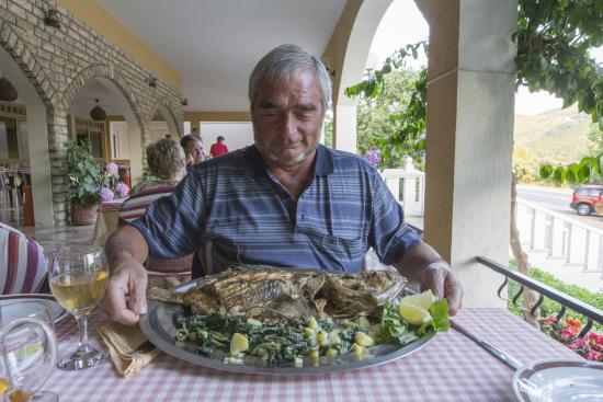Grebastica, Croacia: Un favoloso san pietro alla griglia.