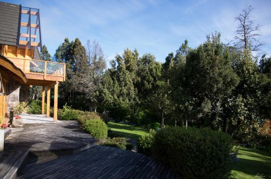 Antuquelen Hosteria Patagonica: jardins na varanda dos quartos