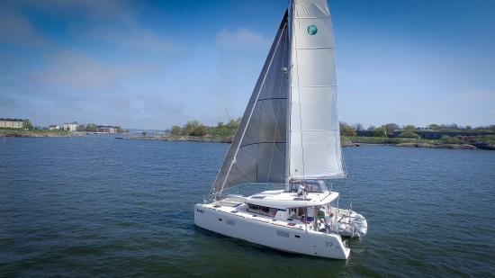 Lagoon Charter - Cruising Catamarans