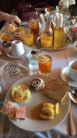 The Chalet Inn Bed & Breakfast : Breakfast!