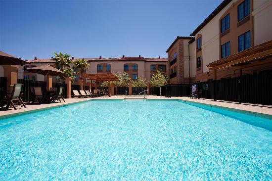 La Quinta Inn & Suites Las Vegas Airport South: Pool