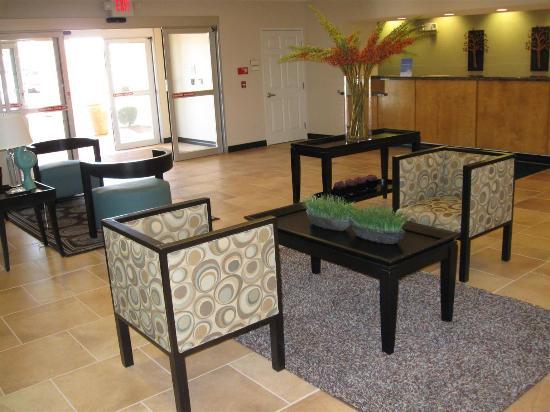La Quinta Inn & Suites Tucumcari: Lobby