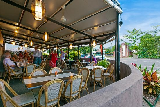 Demi View Motel: Mojo's Bar & Grill