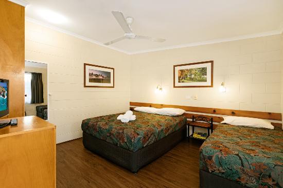 Demi View Motel: Classic Motel Room