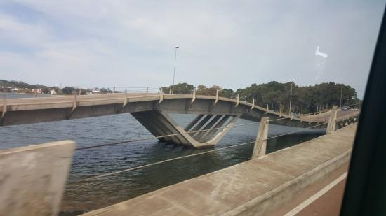 La Barra, Uruguay: Ponte Ondulada