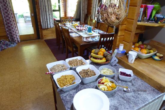 St Arnaud House B&B: Breakfast at St Arnaud house