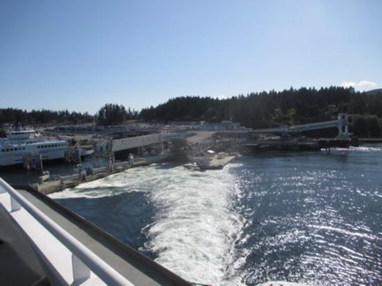 how to get to tsawwassen ferry