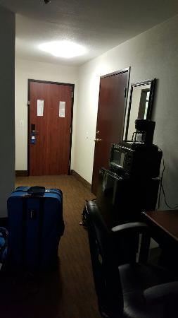 Baymont Inn & Suites EL Reno : 20151219_212443_large.jpg