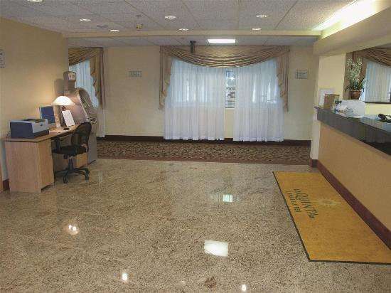 La Quinta Inn & Suites Bolingbrook: Business Center