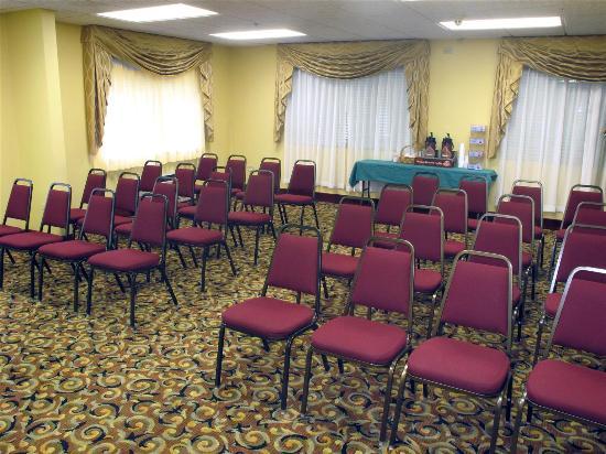 Bolingbrook Inn & Suites: Meeting Room