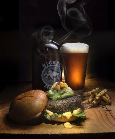 California sunshine burger with Julian Pale Ale - Picture of