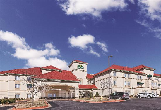 Photo of La Quinta Inn & Suites Bentonville