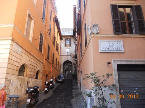 Relais Palazzo Taverna : leading up to hotel