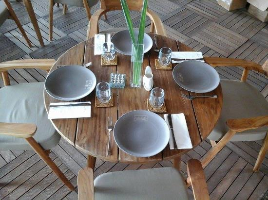 Table setup...Amzing - Picture of 1674 Beach Restaurant, Gili ...