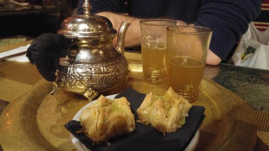 Al-Aman: Postre con té!
