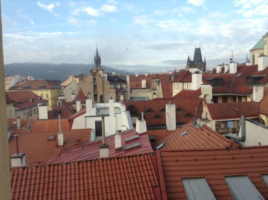Hotel Liliova Old Town: Утренняя Прага из окна