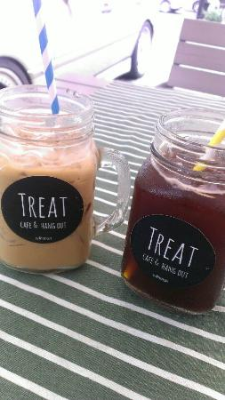 Treat Cafe & Hangout: Coffee time