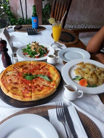 Yutz Place Restaurant: 20151222_153545_large.jpg