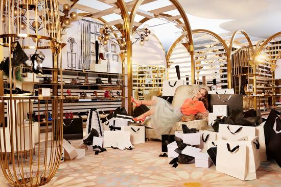 Dubai, United Arab Emirates: Experience World Class Shopping!